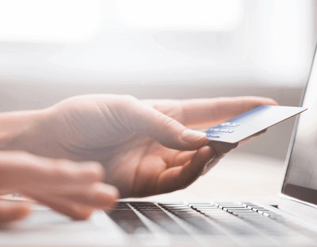 An individual choosing the best interest free credit card.